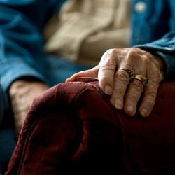 elderly-abuse-1a